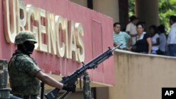Hơn 50.000 người đã thiệt mạng kể từ khi Tổng thống Mexico Felipe Calderon phát động một cuộc trấn áp lớn của quân đội nhắm vào các băng đảng vào năm 2006.