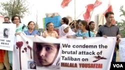 ກຸ່ມສັງຄົມພົນລະເຮືອນ ປະທ້ວງການໂຈມຕີທີ່ປ່າເຖື່ອນ ຂອງພວກຕາລີບັນ ຕໍ່ນາງ On Malala Yousufzai, ເດັກຍິງອາຍຸ 14 ທີ່ໄດ້ຕໍ່ຕ້ານກຸ່ມຫົວຮຸນແຮງດັ່ງກ່າວ