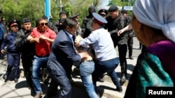 Almati, 21-may, 2016: Yer islohotiga qarshi namoyishlar kuch bilan bostirildi