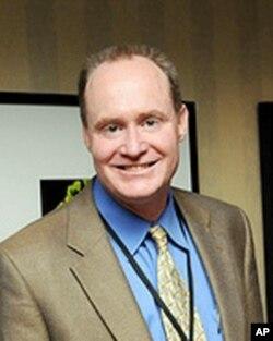 联合辩护基金的律师史蒂夫•埃登