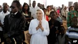 Penganut agama Kristen beribadah di sebuah gereja di Khartoum, Sudan (foto: ilustrasi).