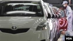 Akibat bencana bulan lalu, banyak pabrik-pabrik Toyota di Jepang timur laut tak dapat memenuhi tuntutan produksi suku cadang.