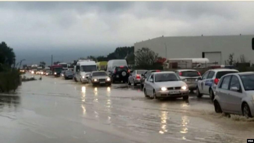 Zgjerohet sipërfaqja e përmbytjeve në Shkodër