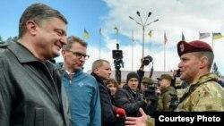 Ukrajinski predsjednik, ambasador SAD i američki oficir u bazi Yavoriv