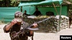 El guerrillero participó en varios ataques terroristas y actualmente se dedicaba a extorsionar a pobladores y empresarios en el sur de Colombia.