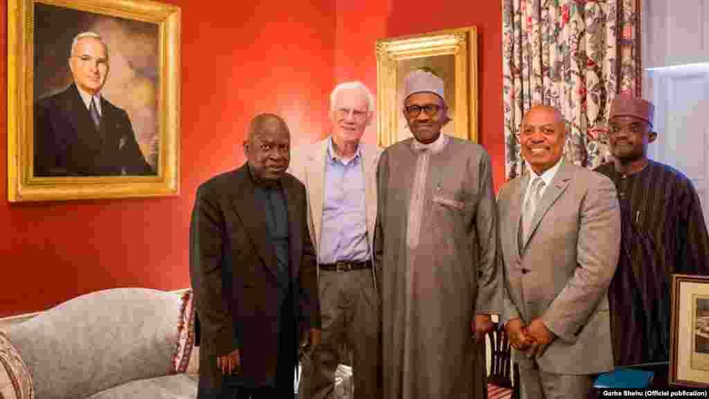 Le président nigérian, Muhammadu Buhari avec John Padden, dans la maison Blair , 19 juillet 2015