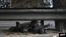 Сили, вірні Уаттарі, наступають на позиції Ґбаґбо в Абіджані.