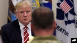President Donald Trump has lunch with troops while visiting U.S. Central Command and U.S. Special Operations Command at MacDill Air Force Base, Florida, Feb. 6, 2017.
