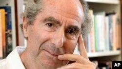 作家菲利普·罗斯2008年在纽约。
