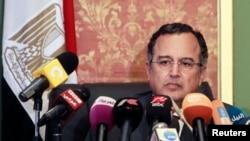 埃及新外长法赫米星期六在记者会上讲话