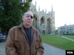 John Whitby, a UK Independence Party member of the Peterborough, England, city council, said on Oct. 12, 2016, that voted to accept the refugees. He said his constituents' concerns focused on making a responsible, thoughtful decision. (L. Ramirez/VOA)