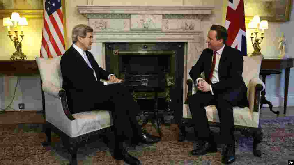 U.S. Secretary of State John Kerry meets with British Prime Minister David Cameron at 10 Downing Street in London, Feb. 25, 2013.