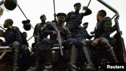 Patrouille de police à Kinshasa, RDC le 19 septembre 2016. (Reuters)
