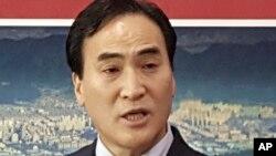 目前担任国际刑警组织代理主席的金钟阳当选为主席