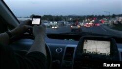 En la última semana un adolecente de Estados Unidos fue condenado a 12 meses de prisión por causar un accidente de tránsito, mientras conducía y enviaba mensajes de texto.