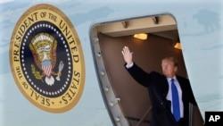 特朗普2019年2月25日启程前往越南(美联社)
