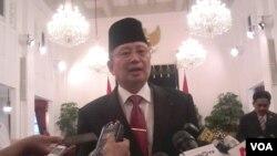 Laksamana Dua Willem Rampangilei, kepala Badan Nasional Penanggulangan Bencana (BNPB) yang baru, usai dilantik di Istana Negara (7/9). (VOA/Andylala Waluyo)