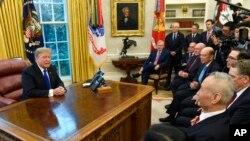 特朗普总统今年2月22日在白宫会见中国副总理刘鹤。