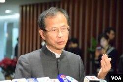 香港立法會主席曾鈺成。(美國之音湯惠芸攝)
