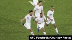 سرور اعضای تیم فوتبال قطر پس از نخستین گول در برابر تیم کوریای جنوبی