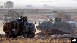 Turske snage brane granicu u blizini Kobanija, 7. oktobar 2014.