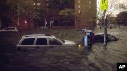 Veículos submersos em Nova Iorque