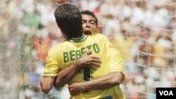 Romario y Bebeto celebraron en 1994 la obtención de la Copa del Mundo, ahora ambos son legisladores electos en Brasil.