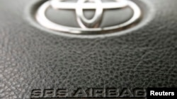 Các công ty nói rằng các túi khí bị lỗi, do công ty sản xuất phụ tùng ô tô Nhật Bản Takata sản xuất, có thể bị nổ hay gây ra cháy.