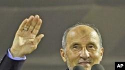 """图为利比亚""""全国过渡委员会""""主席穆斯塔法·阿卜杜勒·贾利勒9月12日在迪黎波里讲话。"""