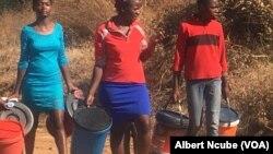 Izakhamizi zeGwanda zidinga amanzi
