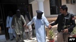پولیسو ویلي په چاپې کې ۳ کسان نیول شوي چې شک کیږي د پاکستاني طالبانو غړي به وي.