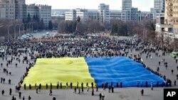 3月13日烏克蘭舉行集會支持烏克蘭國土完整