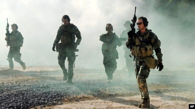 Ảnh minh họa:  Các thành viên của đội Biệt kích SEAL của hải quân Mỹ.