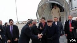 محمد اشرف غنی، رئیس جمهور افغانستان حین ورود به میدان هوایی شهر مونیخ المان.