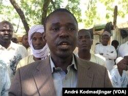 Ndingamnayal Nely Versinis, président du collectif tchadien contre la vie chère, au Tchad, le 7 janvier 2020. (VOA/André Kodmadjingar)