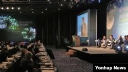 13일 서울에서 대통령 직속 통일준비위원회와 통일부 공동 주최로 '한반도 평화통일을 위한 국제협력 컨퍼런스'가 열리고 있다.