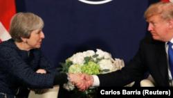 Президент США Дональд Трамп и премьер-министр Великобритании Тереза Мэй. Давос, Швейцария. 25 января 2018 г.