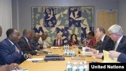 Katibu mkuu wa Umoja wa Mataifa Ban Ki-moon akutana na rais Joseph Kabila kando ya mkutano wa Baraza Kuu la Umoja wa Mataifa