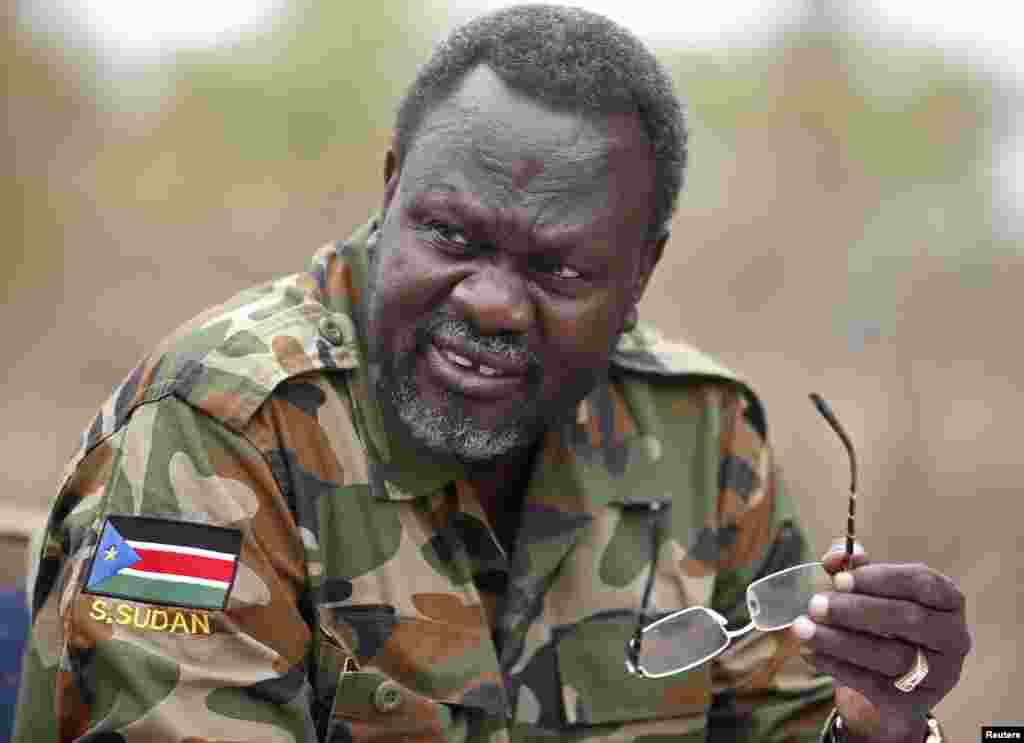 South Sudan's rebel leader Riek Machar at an undisclosed location in Jonglei State, Feb. 1, 2014.