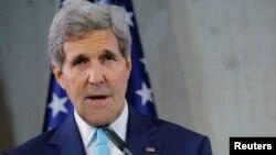 """""""No estoy en posición de confirmarlo, pero puedo decirle que tomamos muy seriamente esas acusaciones"""", dijo Kerry."""