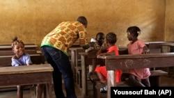 Dans une école à Conakry, en Guinée, lors de l'épidémie d'Ebola, le 19 janvier 2015.