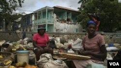 La ONU cree que la tormenta agravará la epidemia de cólera que ha causado la muerte de 442 personas.