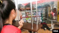 Kem Ley, a Cambodian political analyst was shot dead on Sunday, July 09, 2016, while on a coffee break at Caltex gas station in Phnom Penh, Cambodia. (Leng Len/VOA Khmer)