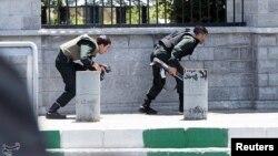 El ataque conmocionó al país en un momento en el que los estados árabes suníes, respaldados por el presidente de Estados Unidos, Donald Trump, endurecen su postura contra Irán, gobernada por chiíes.
