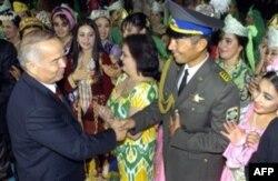 Islom Karimov deydiki, O'zbekistonda demokratik jamiyat qurish uchun barcha sharoit muhayyo