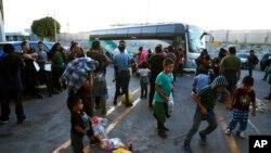 Los migrantes hicieron el viaje sabiendo los riesgos que podrían enfrentar en el estado de Tamaulipas, donde se sabe que grupos del crimen organizado extorsionaron, secuestraron y mataron a gente como ellos.