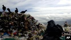 Bệnh viện cho rằng họ chỉ chôn 6 tấn chất thải chưa qua sử dụng nhưng trong thực tế, đã có 63 tấn đã được chôn.