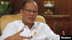 菲律賓總統阿基諾三世星期一在馬尼拉接受接受路透社訪問