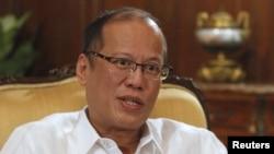 Tổng thống Benigno Aquino của Philippines bày tỏ hy vọng rằng các nhà lãnh đạo mới của Trung Quốc sắp lên nắm quyền vào tháng sau sẽ cải thiện quan hệ song phương