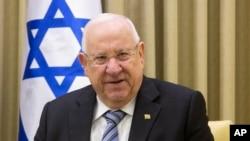 El presidente de Israel, Reuven Rivlin, ha iniciado consultas para decidir quién formará un gobierno de coalición después de elecciones que no determinaron un claro vencedor entre Benjamin Netanyahu del partido Likud y Benny Gantz del partido Azul-blanco. Foto de archivo.